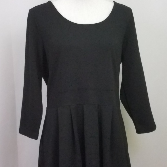 3829576e135 Isaac Mizrahi Dresses   Skirts - Isaac Mizrahi Live Ponte Knit Dress Black  Size 14